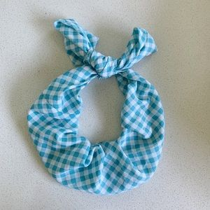 blue and white checkered head band